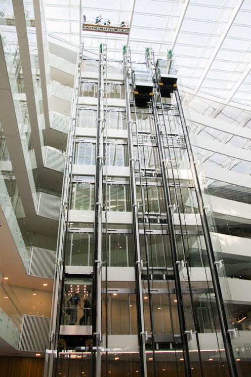 K29 Stogo stiklinių bei metalinių konstrukcijų valymas