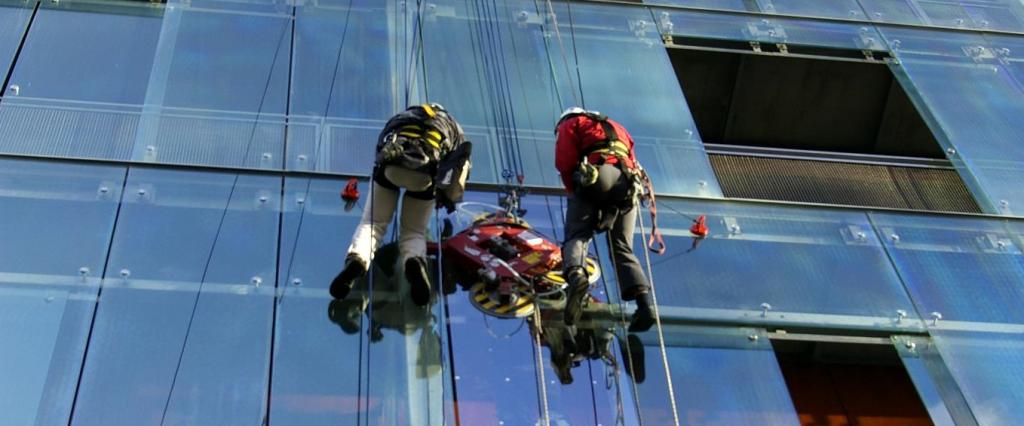 Dangoraižių langų valymas